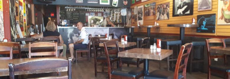 Mon Thong Thai Food Restaurant – Kelowna Orchard Plaza