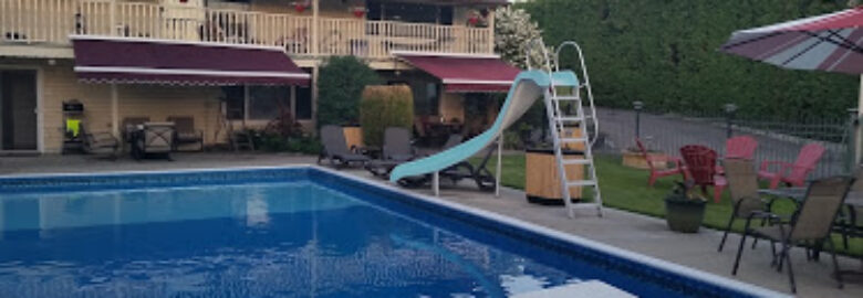 Aaron's Pool and Spa Bed and Breakfast